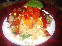 Chicken with red pepper and garlic quinoa