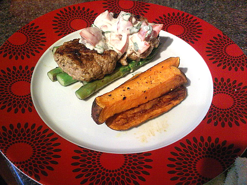 Turkey burgers with sweet potato chips and tomato yoghurt